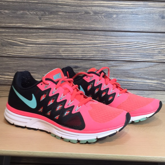 wholesale dealer 57733 25f36 Nike zoom vomero 9 athletic shoes. M 5c5297626a0bb766181f0771